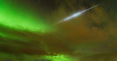 Una gemínida y auroras boreales desde Ringvassøya, Noruega