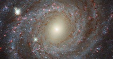 El Hubble observa una espectacular galaxia espiral a 20 millones de años luz de distancia