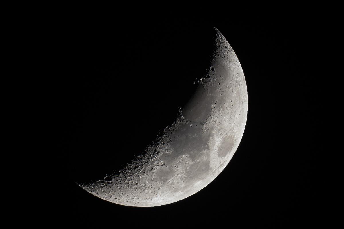 La luna creciente fotografiada desde sajonia alemania for Proxima luna creciente