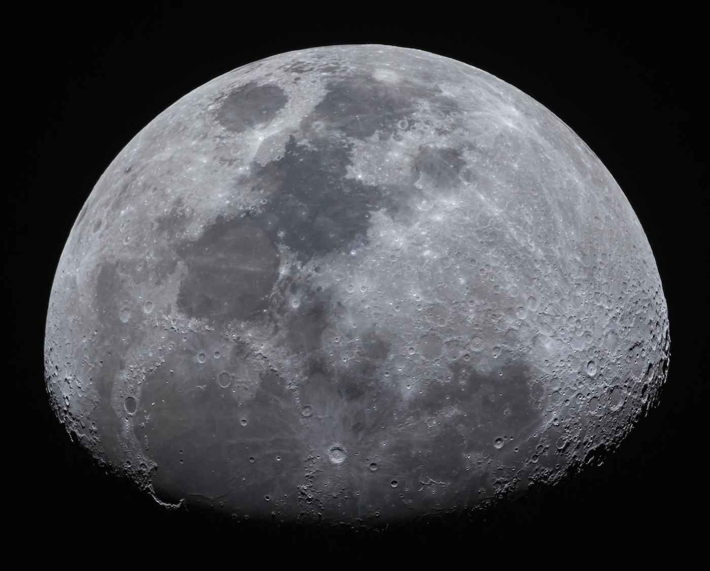 La luna gibosa creciente fotografiada desde sajonia for Proxima luna creciente