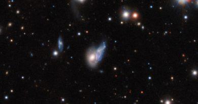 Un eco de luz producido por la colisión de dos galaxias