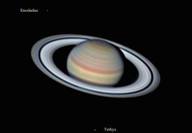 Imagen de Saturno, Tetis y Encélado (16 de abril)
