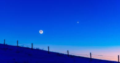 La Luna creciente y Venus desde Alberta, Canadá