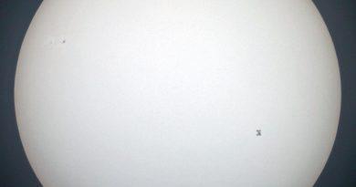 Imagen del tránsito de la ISS frente al Sol (21-abril)