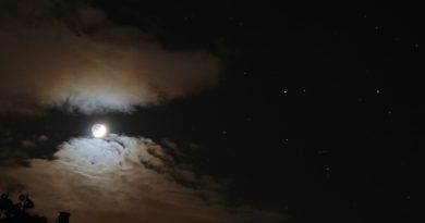 La Luna, Pólux y Cástor fotografiados desde Arenys de Munt, Barcelona