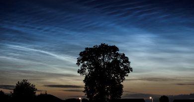 Nubes noctilucentes captadas en Galloway, Escocia