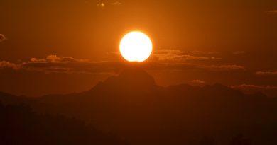 La puesta de Sol desde Medvode, Eslovenia