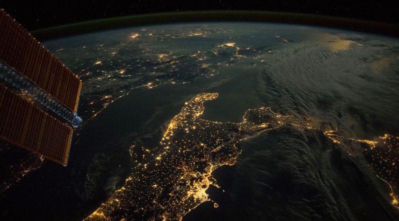 Imagen nocturna del sur de Italia tomada desde la ISS