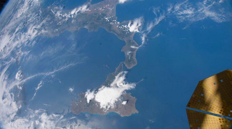 Italia y la isla de Sicilia desde la Estación Espacial Internacional