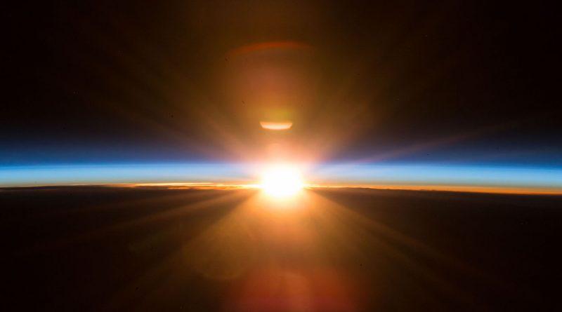 El atardecer fotografiado desde la Estación Espacial Internacional