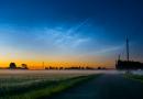 Nubes noctilucentes captadas al amanecer en Simuna, Estonia