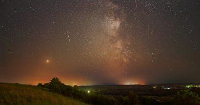 Marte y la Vía Láctea fotografiados desde Nizhni Nóvgorod, Rusia