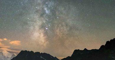 La Vía Láctea fotografiada desde el Lac d'Émosson, Suiza
