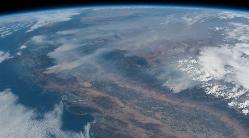 Imagen de los incendios forestales en California desde la ISS