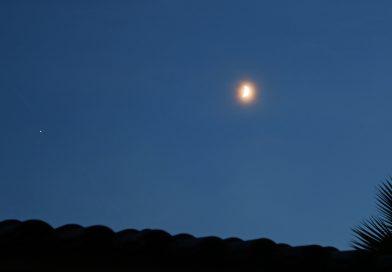 Imagen de Júpiter y la Luna tomada desde Arenys de Munt, Barcelona