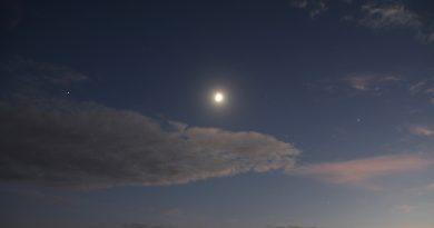 Foto de la Luna, Marte y Saturno (16-octubre-2018)