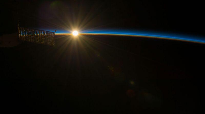 Foto de la salida del Sol tomada desde la Estación Espacial Internacional