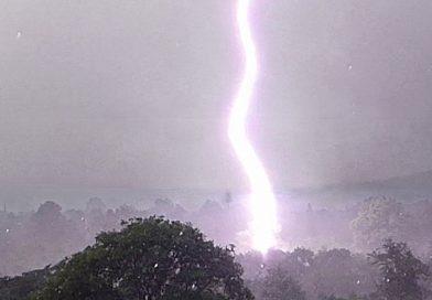 Tormenta eléctrica captada desde Mutare, Zimbabue