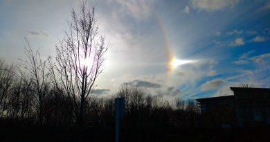 Imagen del Sol y un parhelio tomada desde Eastbourne, Inglaterra