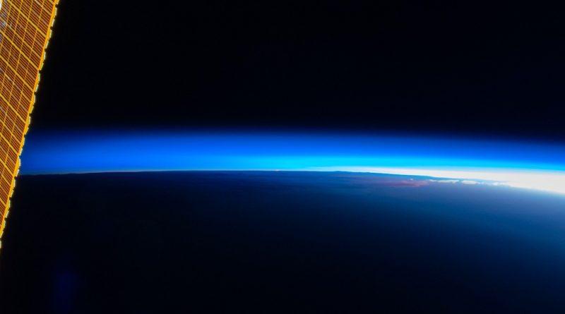 El anochecer fotografiado desde la Estación Espacial Internacional