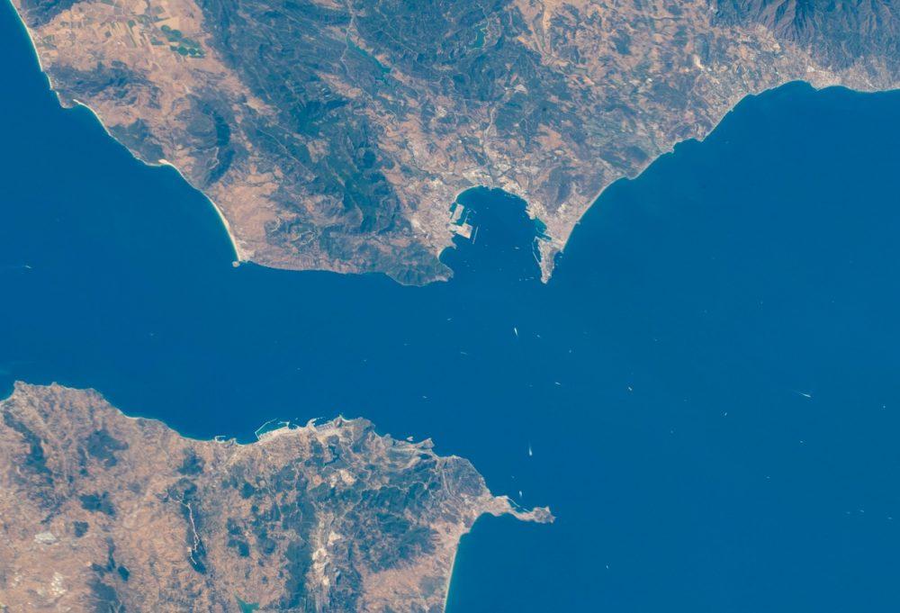 El estrecho de Gibraltar fotografiado desde la Estación Espacial...