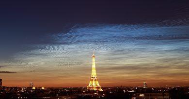 Nubes noctilucentes fotografiadas desde París, Francia