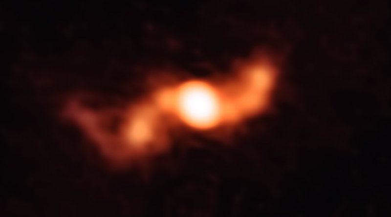 Astrónomos observan un microcuásar a 18.000 años luz de distancia de la Tierra