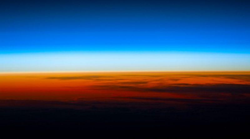 Imagen del atardecer tomada desde la Estación Espacial Internacional