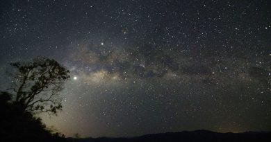 Júpiter y la Vía Láctea fotografiados desde Malasia