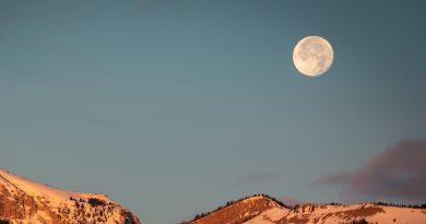 Foto de la Luna tomada desde Wyoming, Estados Unidos