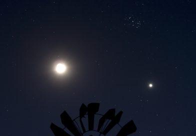 La conjunción de la Luna y Venus fotografiada desde Iowa, Estados Unidos