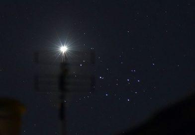 Venus y las Pléyades captados desde Leicestershire, Inglaterra
