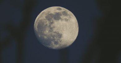 Foto de la Luna tomada desde Gales (6-abril)