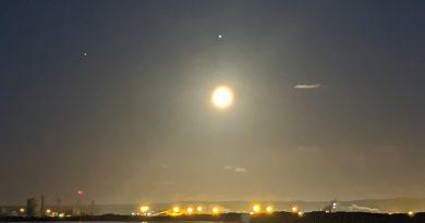 Foto de la conjunción de la Luna, Júpiter y Saturno, tomada desde Durham, Inglaterra