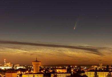 Foto del Cometa C/2020 F3 (NEOWISE) tomada desde Poitiers, Francia