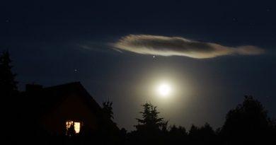 Saturno, Júpiter y la Luna captados desde Biskupice, Polonia
