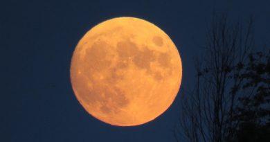 Foto de la Luna tomada desde Vicksburg, Míchigan