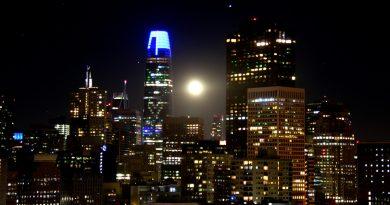 La Luna llena captada desde San Francisco, California