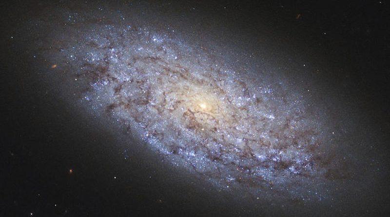 Descubren agujeros negros masivos en 37 galaxias enanas