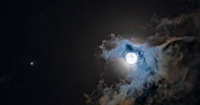 La conjunción de la Luna y Júpiter fotografiada desde la India