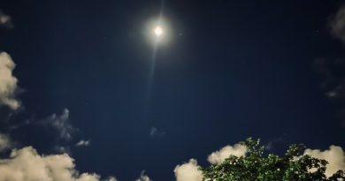 Foto de la conjunción de la Luna y Marte tomadas desde Guaynabo, Puerto Rico