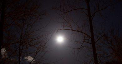 La conjunción de la Luna y Marte fotografiada desde Kentucky, Estados Unidos