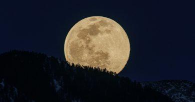 Fotografía de la salida de la Luna tomada desde Nuevo México, Estados Unidos