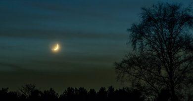 La Luna creciente fotografiada desde Países Bajos