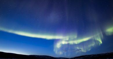 Auroras boreales fotografiadas al anochecer en la Laponia finlandesa
