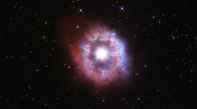 El Hubble capta una estrella que está librando una batalla entre su supervivencia y la autodestrucción