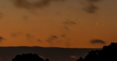 Mercurio y las Pléyades captados al anochecer en Greenbelt, Maryland