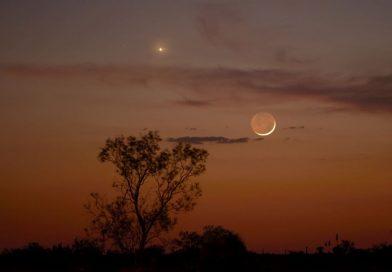 Venus y la Luna fotografiados desde Marfa, Texas