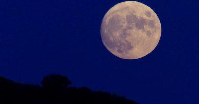 La salida de la Luna captada desde Cebolla, Toledo