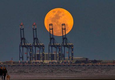 Foto de la Luna llena tomada desde Brisbane, Australia